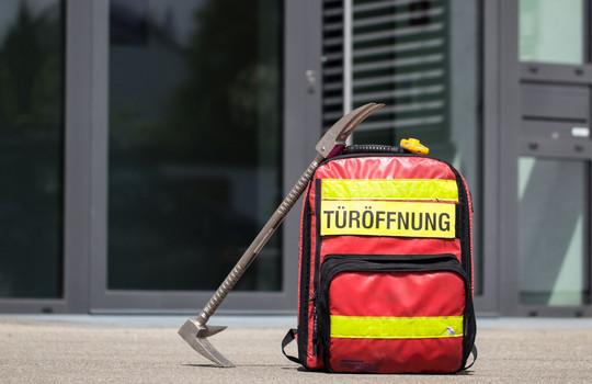 Teaserbild der Einsatzmeldung: H1 - Pers. eingeschl. Wohnung