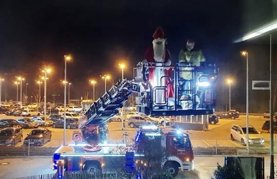 Teaserbild der Einsatzmeldung: Nikolaus besucht die Feuerwehr